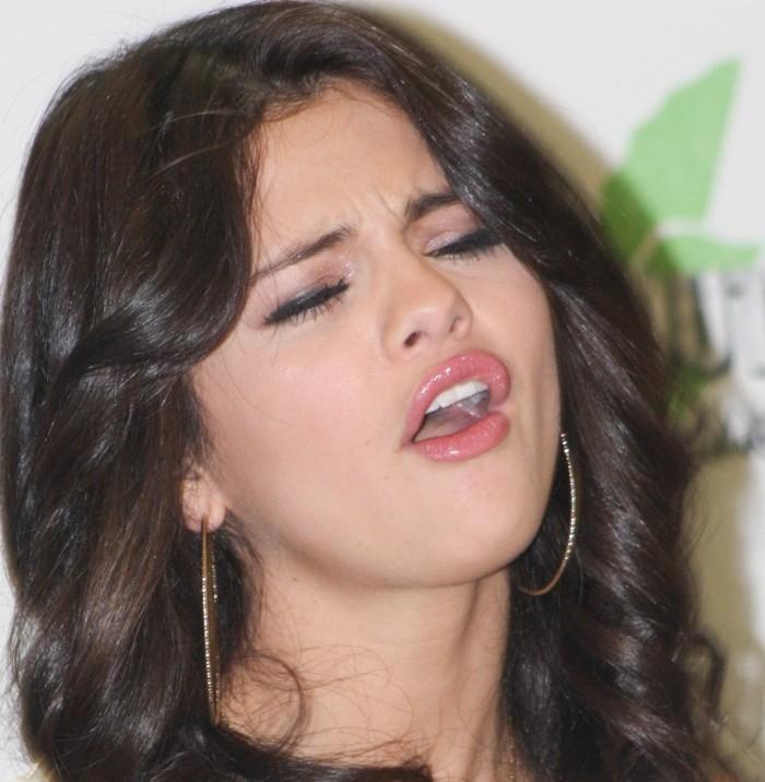 Selena Gomez has a nice O face.jpg