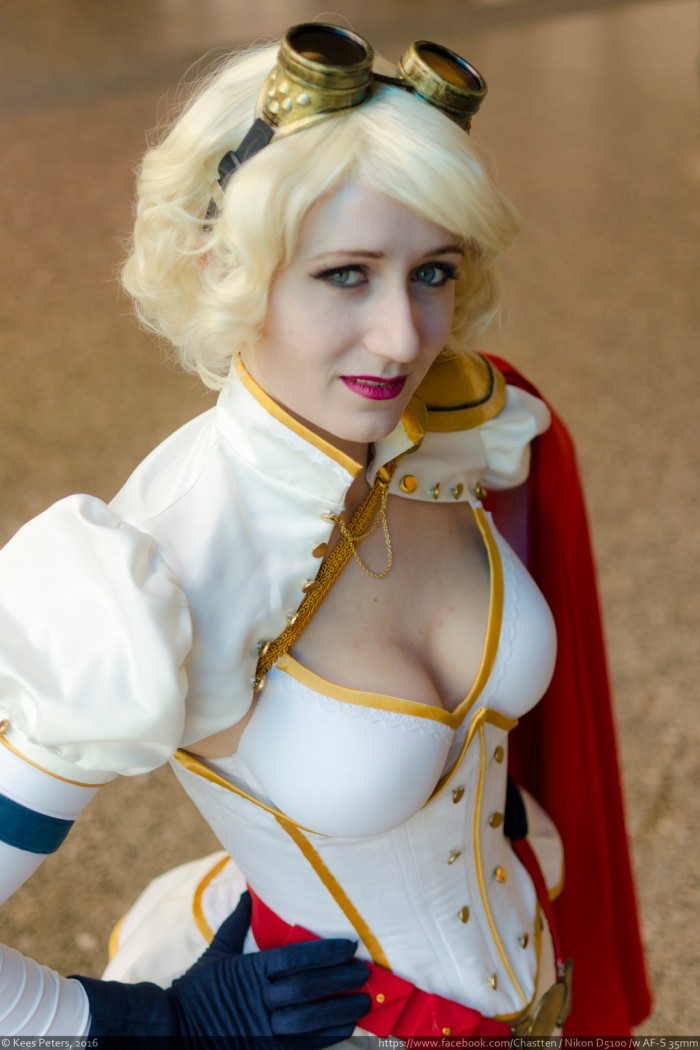 Steampunk Power Girl Rini Cosplay Wonder Woman Kotone Cosplay 006 700x1050 Power Girl and Wonder Woman cosplayers