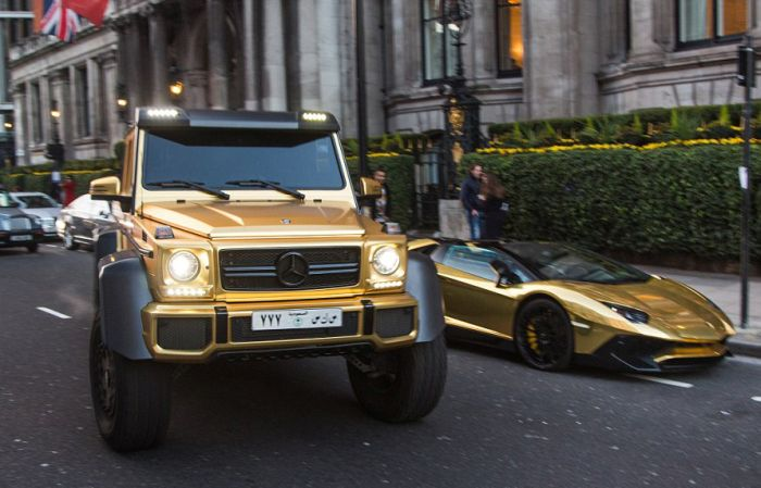 gold_supercars_01.jpg