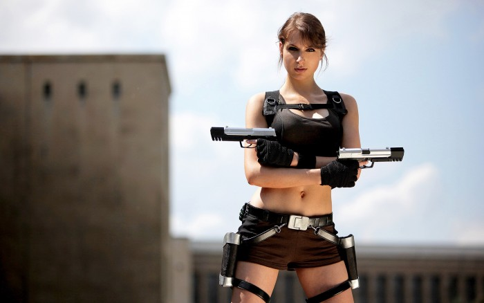 tomb raider cosplayer.jpg