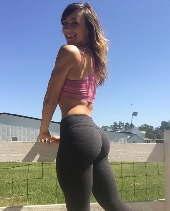 workout pants.png