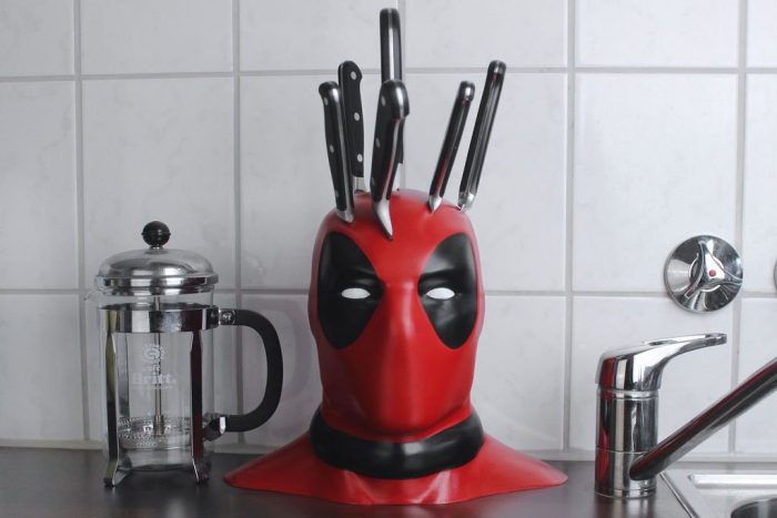 Deadpool Knifeblock.jpg