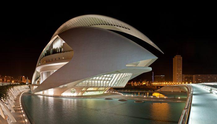 El Palau de les Arts Reina Sofía in Valencia, Spain.jpg