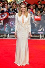 Elizabeth Olsen bangtidy net 1805618 150x225 Elizabeth Olsen – Captain America Civil War Premiere in London 26.04.16 vertical wallpaper Sexy Elizabeth Olsen