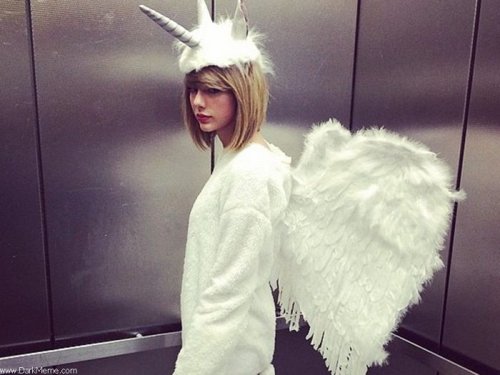 Taylor Swift is a unicorn 700x525 Taylor Swift is a unicorn