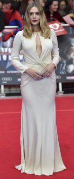 www bangtidy net 1461857306 69 150x361 Elizabeth Olsen – Captain America Civil War Premiere in London 26.04.16 vertical wallpaper Sexy Elizabeth Olsen