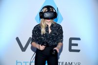 1465920246830 chloe moretz at vip alienware party e3 02 200x133 Chloe in VR Gaming Computers Chloë Grace Moritz
