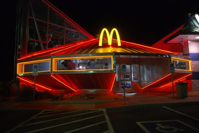 UFO McDonalds in Roswell New Mexico 700x468 UFO McDonalds in Roswell, New Mexico Wallpaper mcdonalds architecture