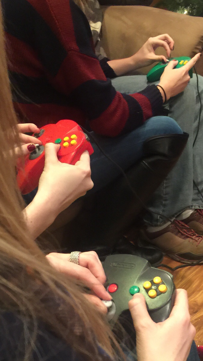 girls gaming on n64 girls gaming on n64 wtf Gaming