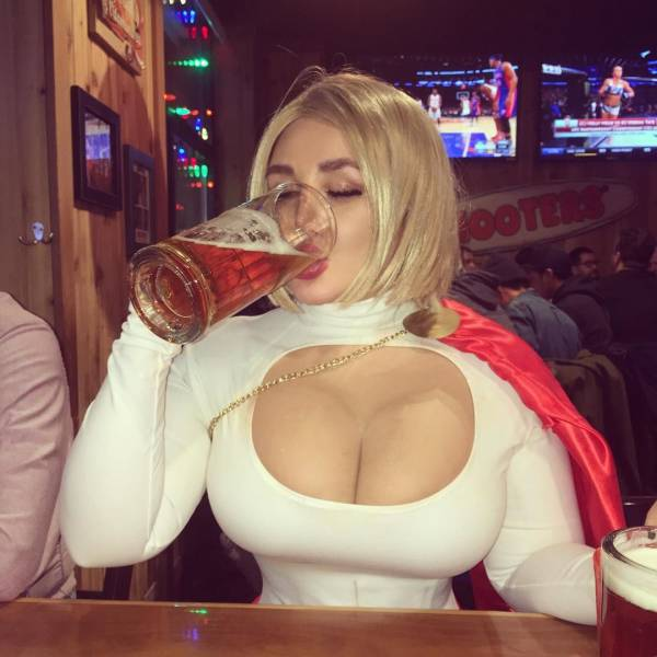 powergirl havinga drink powergirl havinga drink Sexy powergirl NeSFW cosplay Alcohol
