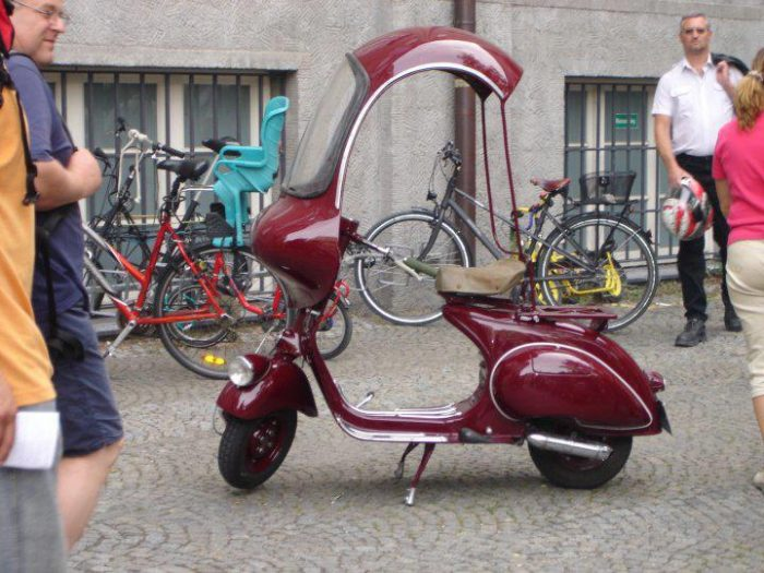 scooter 735079_484199901626894_10446891_n