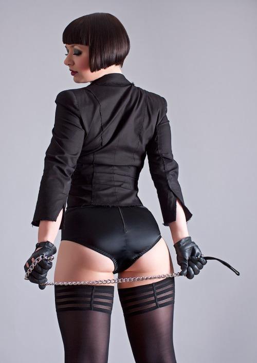 tumblr o7ixtv9Tu71uojrlyo1 500 in black Sexy NeSFW in black
