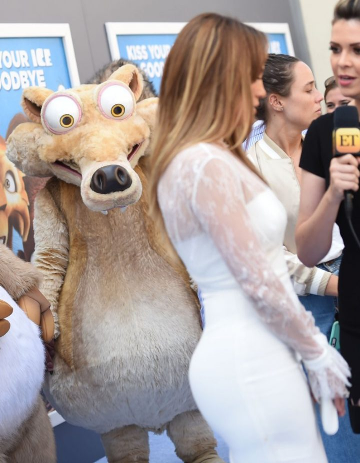 Squirell wants Jennifer Lopez.jpg