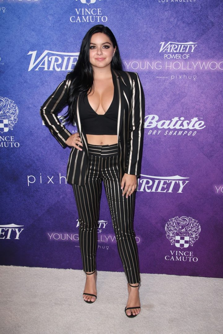 Ariel Winter Variety Power of Young Hollywood Event Los Angeles 8 16 2016 003 720x1080 Ariel Winter  Variety   Power of Young Hollywood 8 16 2016 vertical wallpaper Sexy Ariel Winter