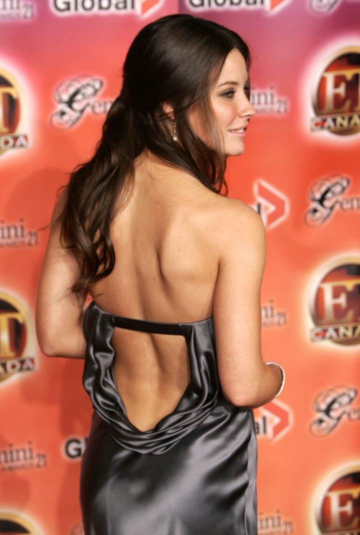 Evangeline Lilly's back.jpg
