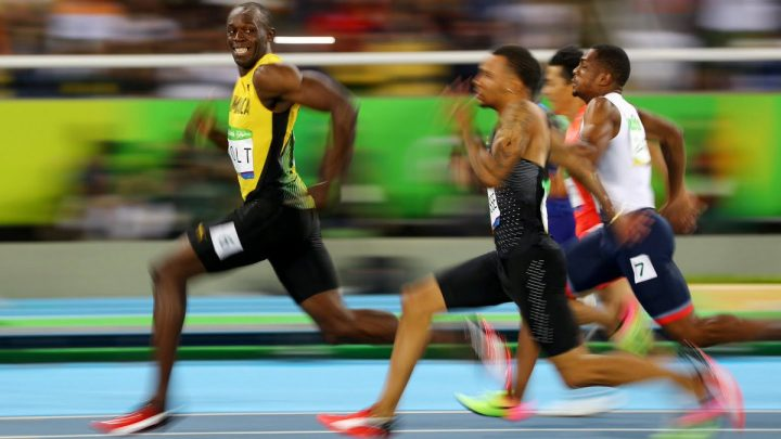 insane bolt looking back while winning 720x405 insane bolt looking back while winning Wallpaper usain bolt Sports olympics 2016 Humor