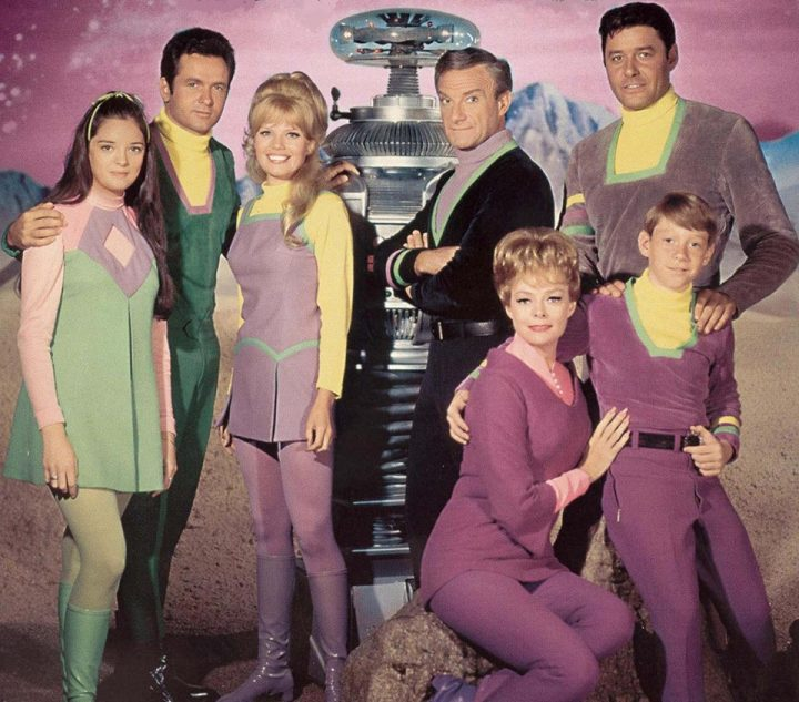 lost in space crew