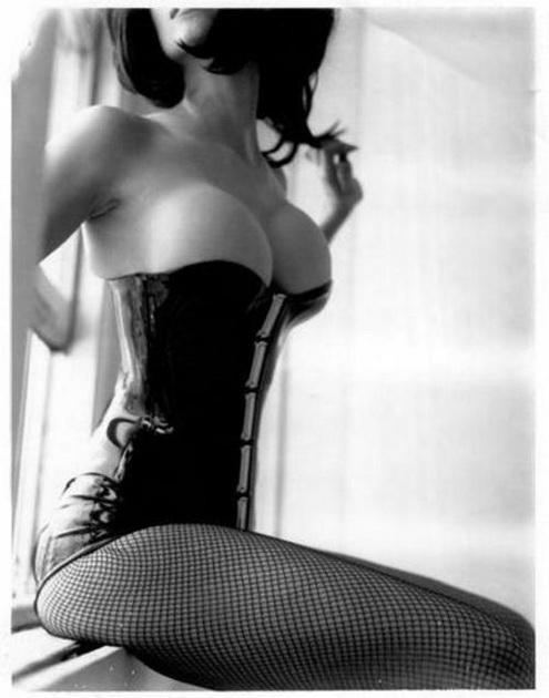 tumblr oamfvuhcFK1tk8bnfo1 500 Corset NeSFW corset