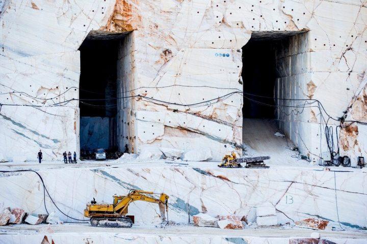 Marbel Doors to a dwarf fortress.jpg