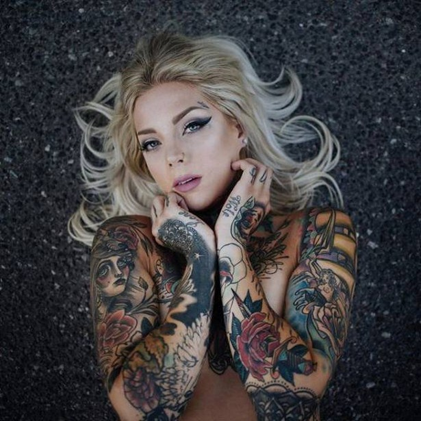 girls-with-tattoos-10