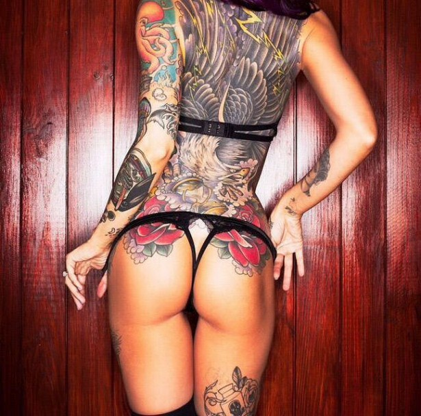 girls-with-tattoos-16