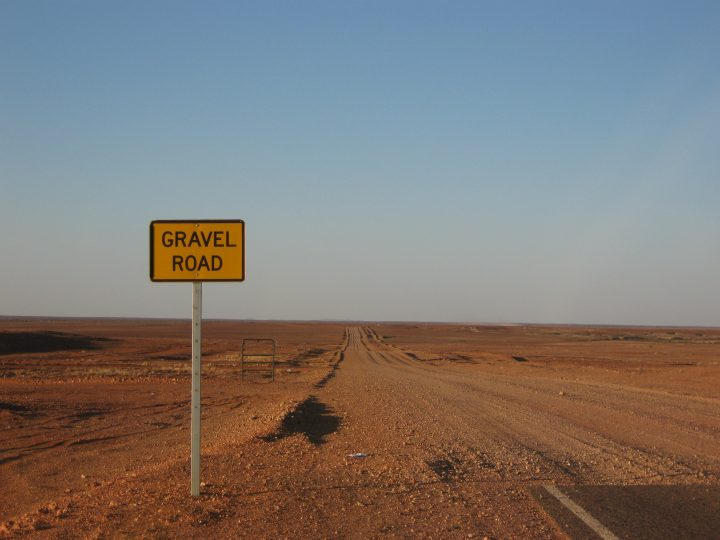 gravel_road_coober_pedy