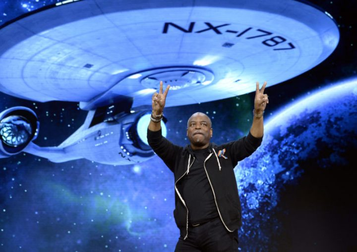 Lavar Burton by the NX-1787.jpg