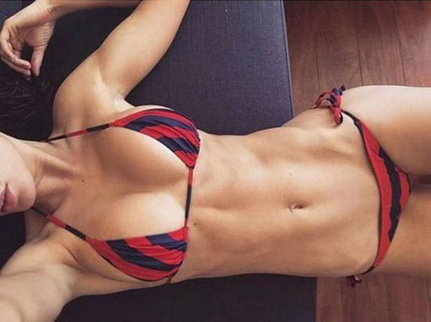 girls-in-bikini-14