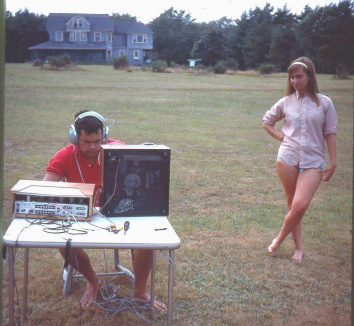 retro radio.jpg