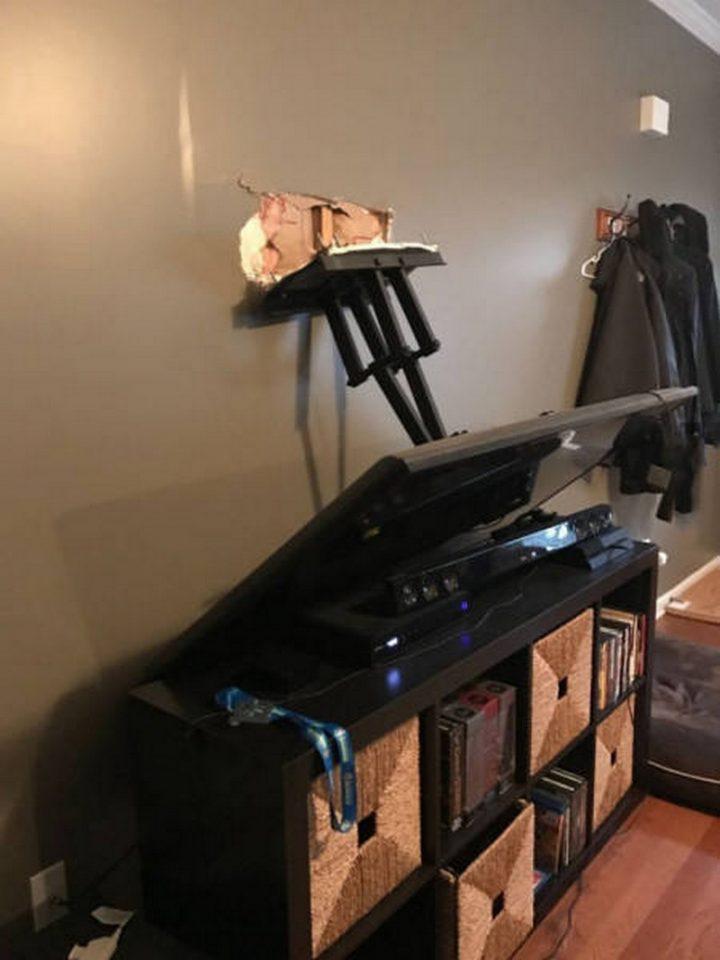 Television Mount Failure.jpg