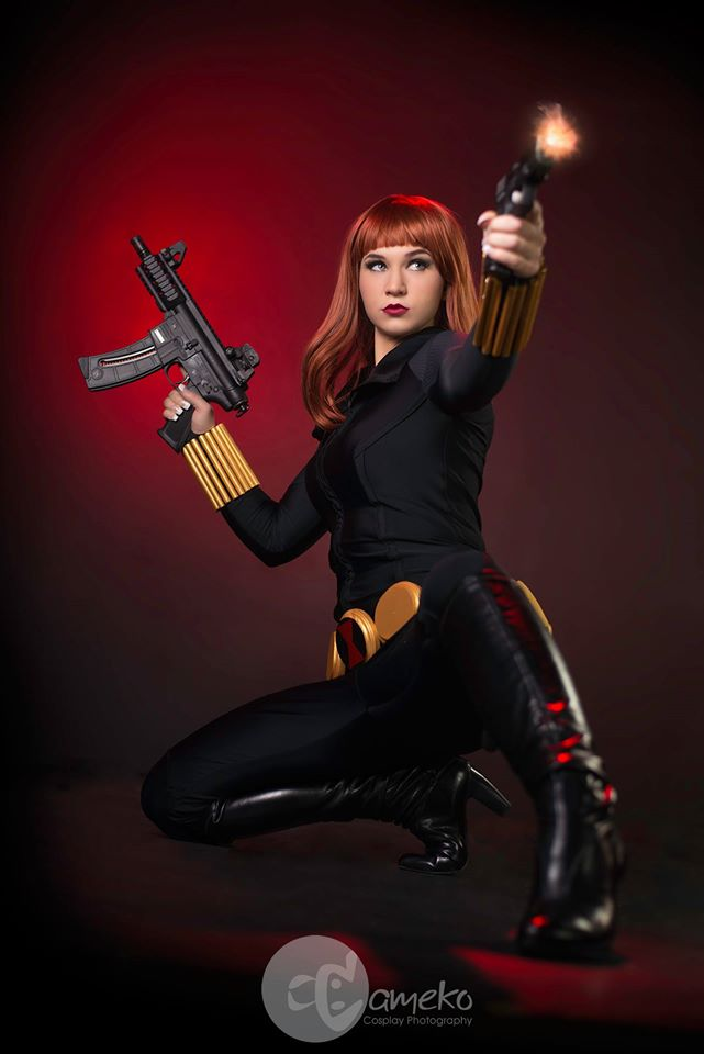 black widow cosplay with two guns.jpg