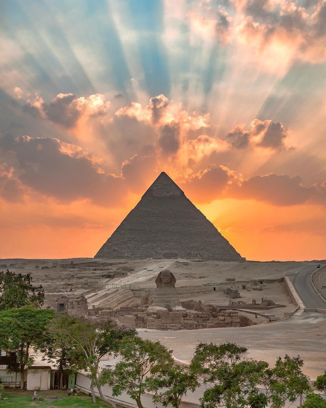 giza egypt.jpg