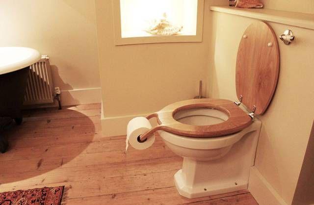 Forward Facing Toilet Roll.jpg