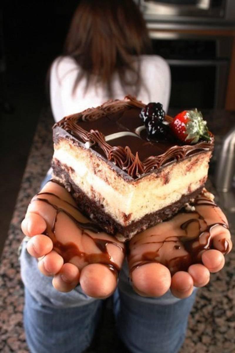 cake feet.jpg