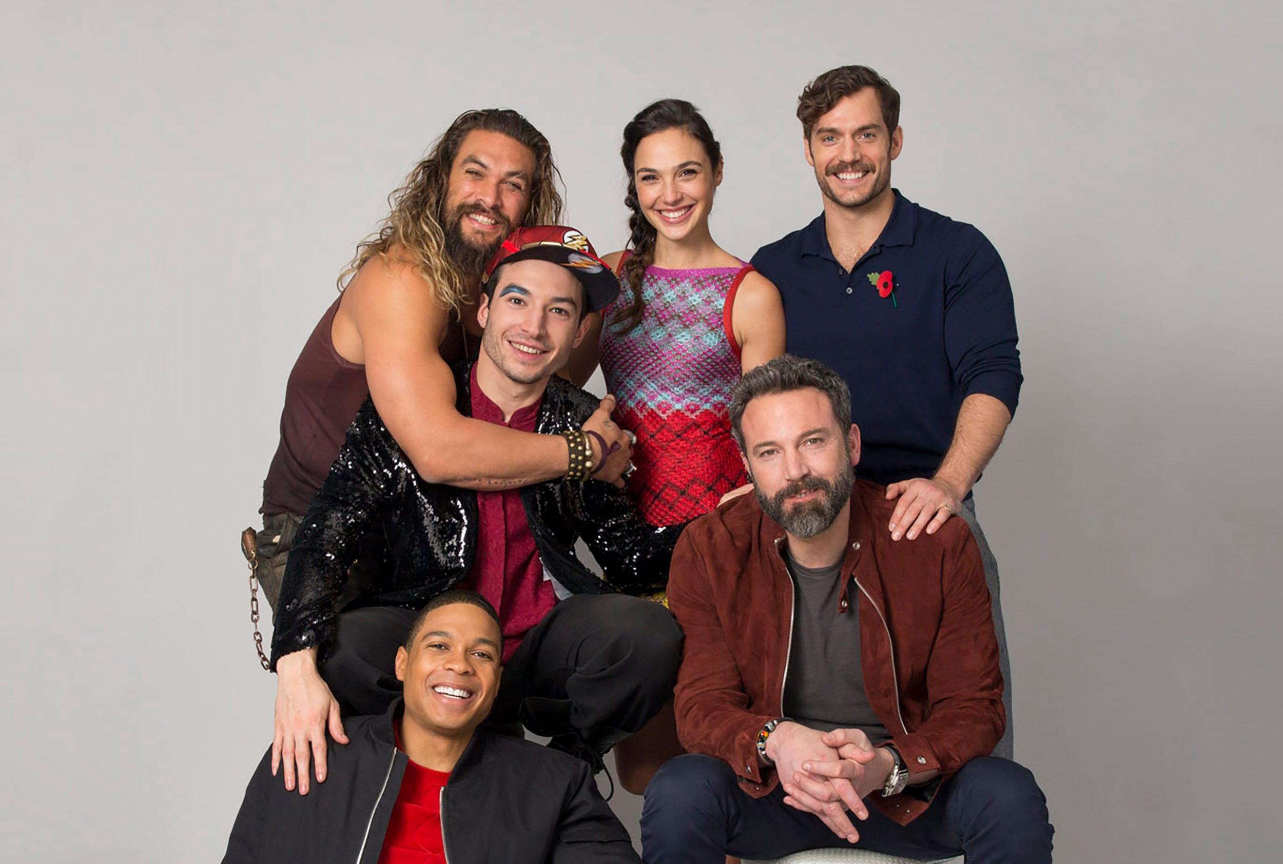 justice league 2017 cast photoshoot d1