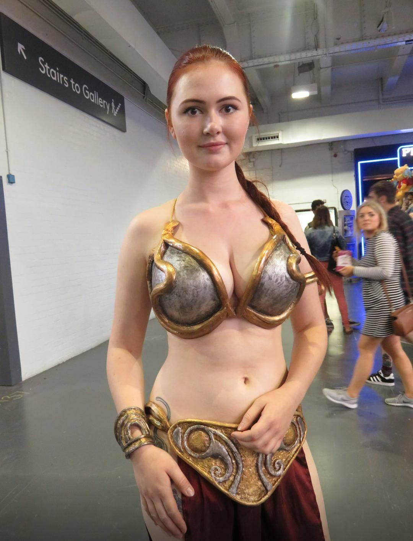 perfect slave leia cosplay.jpg
