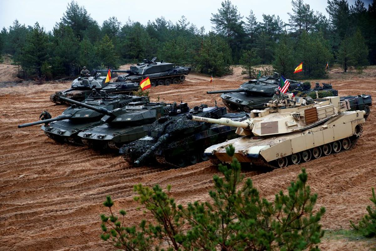 tank convention.jpg