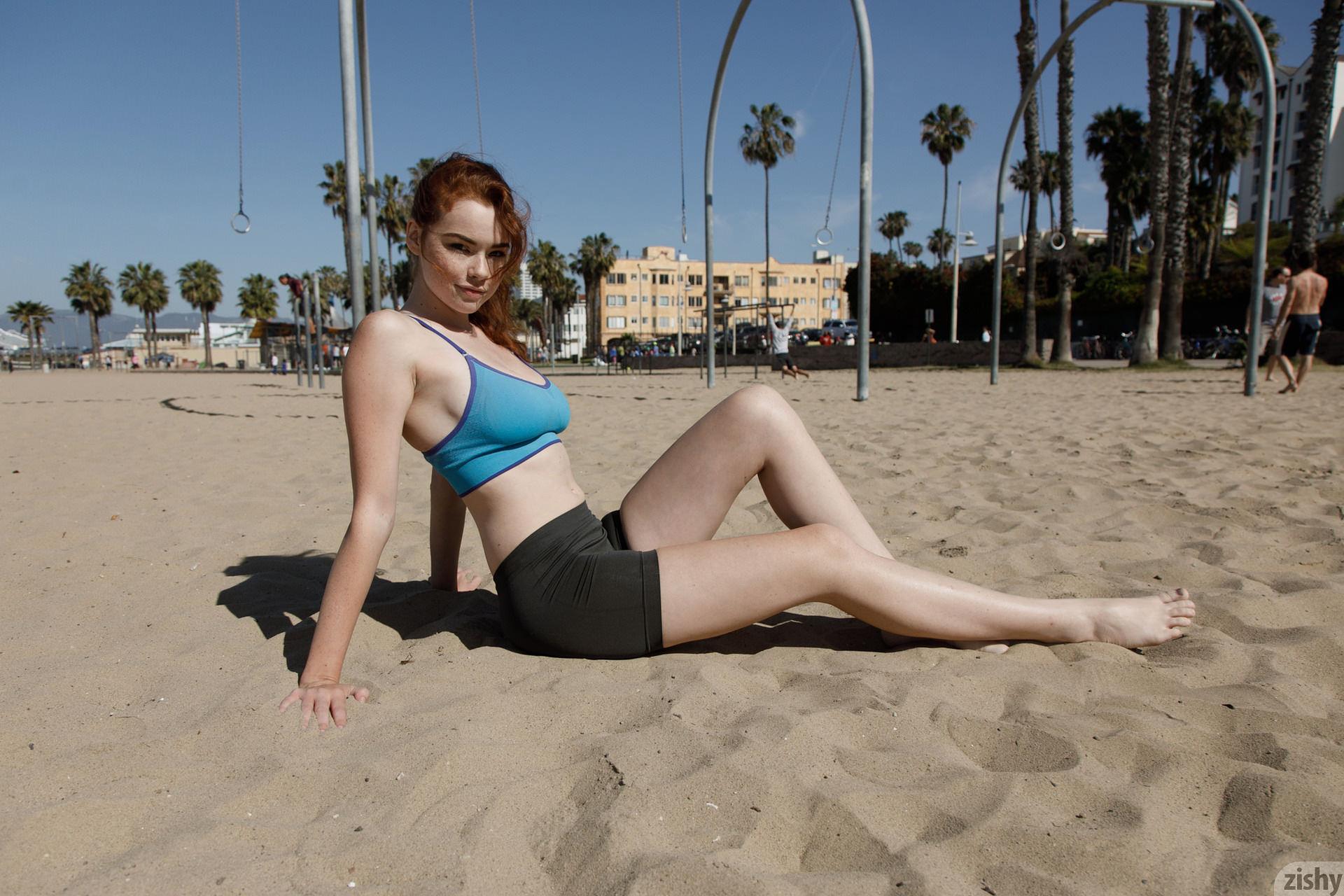 Sabrina Lynn on the beach.jpg