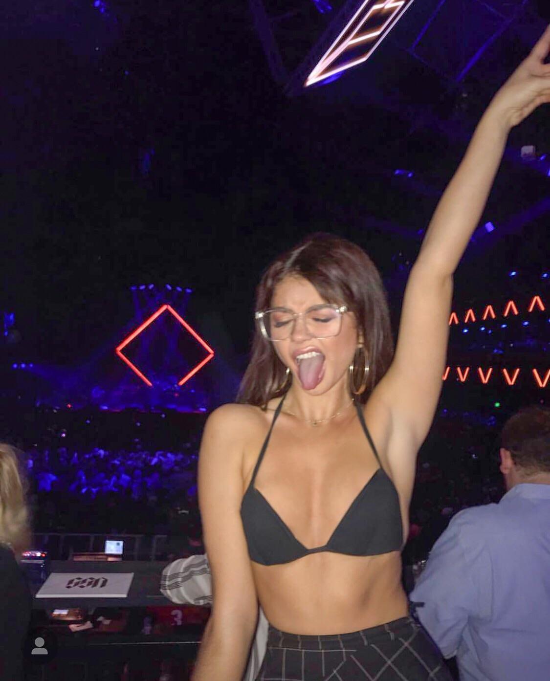 Sarah Hyland partying hard.jpg