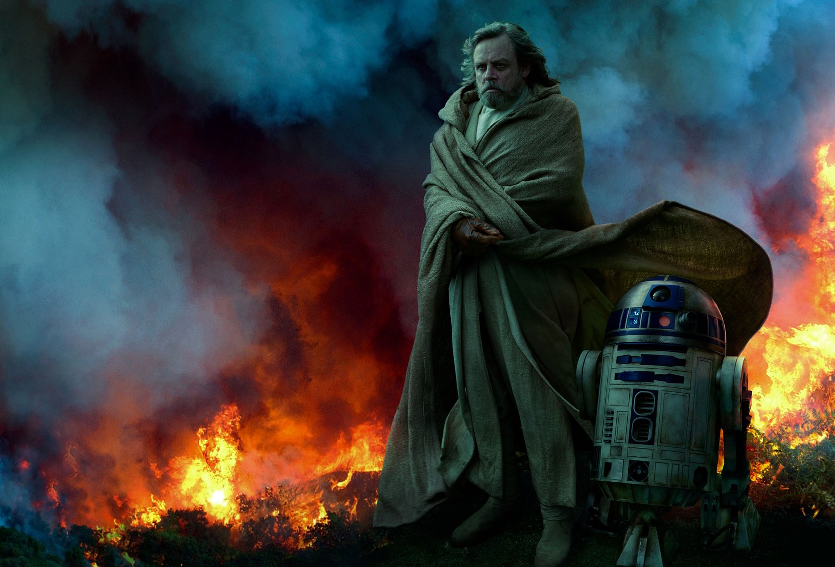 star-wars-the-rise-of-skywalker-vanity-fair-from-the-ashes-luke-and-r2-d2-exclusive-hi-resolution-image-by-annie-leibovitz.jpg