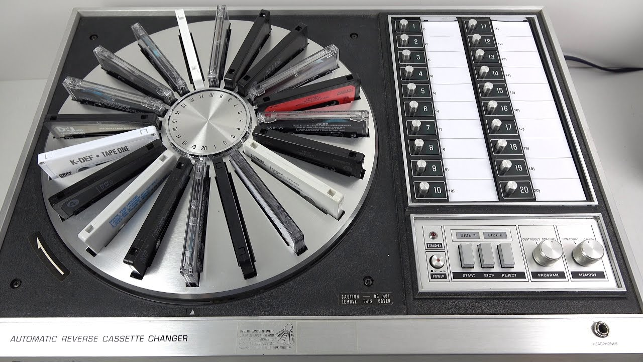 Fascinating Vintage 20 Cassette Carousel from 1972  Panasonic RS-296US