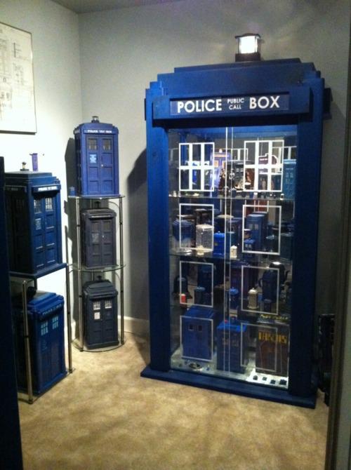 police-box.jpg (50 KB)