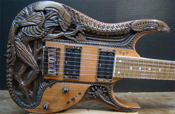Alien-Guitar.jpg (122 KB)