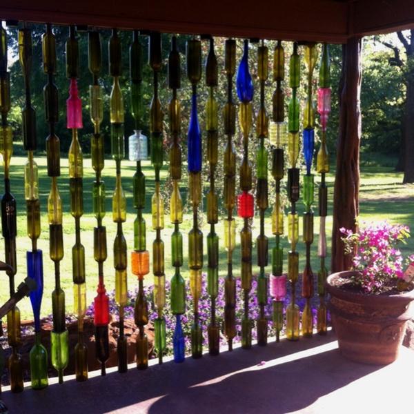 bottle-fence.jpg (171 KB)