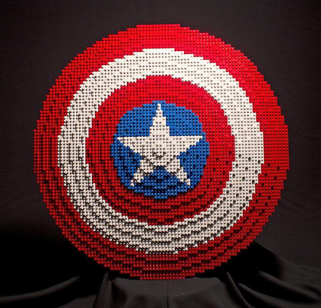 avengers-lego-props-2.jpg (147 KB)
