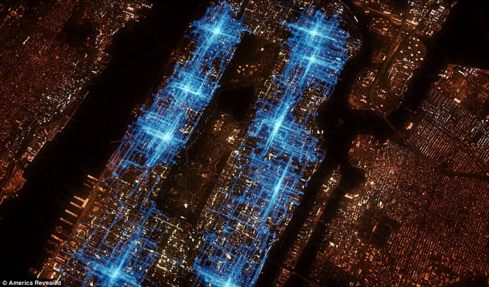 GPS trails of pizza delivery riders on one Friday night in Manhattan