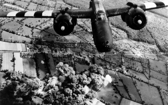 bomber_history_world_war_ii_planes_historical_db-7_desktop_1920x1200_hd-wallpaper-466135.jpg (718 KB)