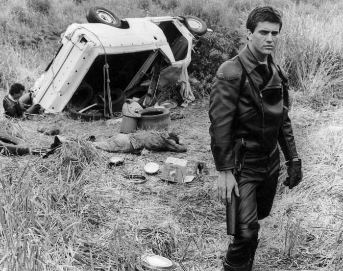movies_men_mad_max_monochrome_mel_gibson_desktop_2549x2016_hd-wallpaper-494600.jpg (2 MB)
