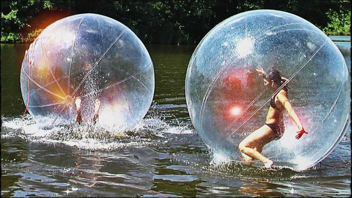 Giant-Wet-Balls.jpg (436 KB)