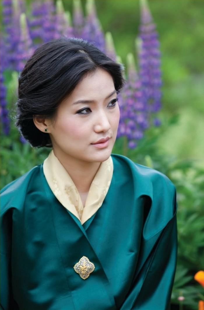 Queen Jetsun Pema Wangchuck of Bhutan 700x1062 queen of Bhutan Sexy Politics
